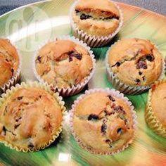 Fantastic tasting oat bran and whole wheat banana muffin. Vegan Banana Muffins, Banana Oats, Cereal Recipes, Muffin Recipes, Crunch Recipe, Confort Food, Granola Cereal, Baking Muffins, Favorite Recipes