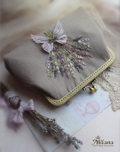 Embroidery Purse, Hand Embroidery Designs, Ribbon Embroidery, Cross Stitch Embroidery, Crochet Hair Accessories, Cd Crafts, Lavender Bags, Floral Bags, Vintage Bags