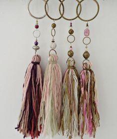 Resultado de imagen para borlas de lanas para decoracion infantil