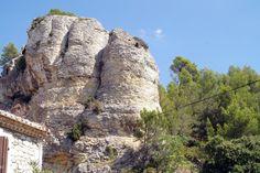 A la découverte de Boulbon (Bouches-du-Rhône) - Le Petit Randonneur Mount Rushmore, Mountains, Nature, Travel, Places To Visit, Mouths, Photography, Naturaleza, Viajes