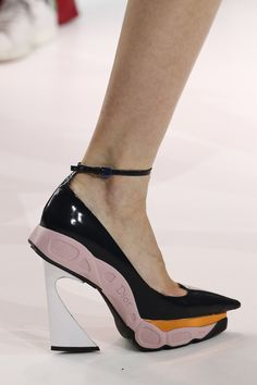Sneaker stiletto.                           Christian Dior - Autumn/Winter 2014