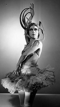 Valentina Blinova in L'Oiseau de feu [The Firebird], Ballets Russes, Sydney, 1936-1937. Photo by Max Dupain.