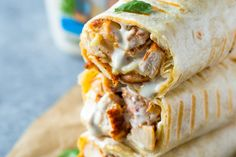 Chicken Ranch Wraps - Healthy grilled chicken and ranch wraps are loaded with chicken, cheese and ranch. These tasty wraps come together in under 15 minutes and make a great lunch or snack! Dinner Sandwiches, Wrap Sandwiches, Healthy Sandwiches, Vegetarian Sandwiches, Panini Sandwiches, Chicken Wrap Recipes, Grilled Chicken Leftover Recipes, Chicken Tortilla Wraps, Grilled Chicken Wraps