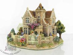 Christmas Village Houses, Putz Houses, Christmas Villages, Fairy Houses, Miniature Crafts, Miniature Houses, Cute Minecraft Houses, Green Gables, Sims
