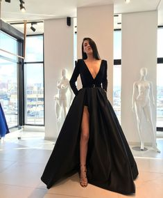 2019 Trendy Prom Dresses Today we are going to talk about an exciting topic. Yes, the topic is prom dresses! As you know that, prom time is approaching. Grad Dresses Long, Prom Dresses Long With Sleeves, Dressy Dresses, Sexy Dresses, Beautiful Dresses, Dress Prom, Party Dresses, Lace Dress, Caftan Dress