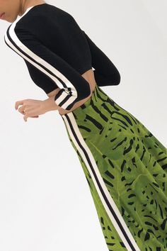 Norma Kamali Pre-Fall 2018 Fashion Show Collection Sport Fashion, Teen Fashion, Fashion Outfits, Pantalon Large, Athleisure Fashion, Autumn Fashion 2018, Norma Kamali, Sport Chic, Sporty Style