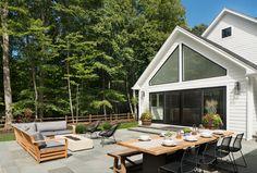 Rising Ridge Residence | Modern Backyard | Z+ Interiors