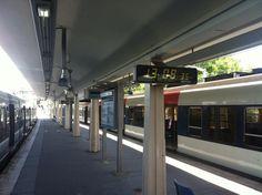 Horloges Bodet HMT installées en gare de Robinson, entre les voies 2bis et 4, à Sceaux (92), IDF.