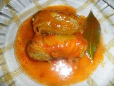 Niños envueltos en hojas de col con salsa de tomate Bon Appetit, Thai Red Curry, Chicken Recipes, Favorite Recipes, Stuffed Peppers, Homemade, Dishes, Meat, Vegetables