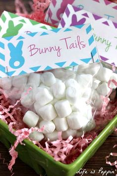 Bunny Tails Treat Bags with FREE Printable  Chocolate isn't always allowed in school and let's be honest, we don't always like the thought of our kids eating very much of it. Here is a super cute alternative and an adorable gift idea for Easter. Your kids will be the talk of the class when they bring these cute little bunny tails! Not to mention they are so easy to make.