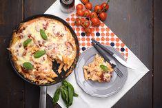"""Elsőre olyan """"amerikainak"""" tűnik, és valóban az is - nagyon hamar elkészül, nagyon sajtos, kicsit talán túlzás, de nem lehet abbahagyni! Tortellini, Penne, Main Dishes, Side Dishes, Mac And Cheese, Gnocchi, Mozzarella, Pasta Recipes, Quiche"""