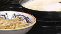 Copycat Olive Garden Alfredo Sauce tastes rich and goes so well with pasta. You can make this signature restaurant dish at home. Sauce Restaurant, Restaurant Dishes, Restaurant Recipes, Olive Garden Alfredo Recipe, Great Recipes, Favorite Recipes, Yummy Recipes, Recipe Ideas, Recipies