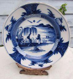 RARE 18thC ENGLISH DELFT B & W - CHINA MAN CHINOISERIE PLATE Circa 1740  £80