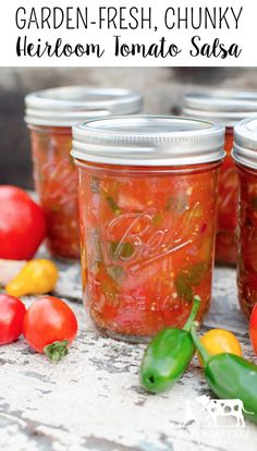 Heirloom Tomato Salsa Garden-Fresh & Chunky Heirloom Tomato Salsa (with instructions for canning!) Garden-Fresh & Chunky Heirloom Tomato Salsa (with instructions for canning! Preserving Tomatoes, Canning Tomatoes, Preserving Food, Canning Vegetables, Growing Vegetables, Guacamole, Tomato Salsa Recipe, Real Food Recipes, Healthy Recipes