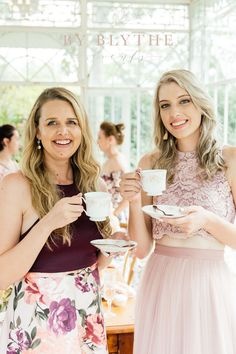 Gold, pinks and bubbly too, this tea time soiree is positively lovely. Vintage Tea Rooms, Glass Conservatory, Cream Tea, Tea Party Bridal Shower, High Tea, Afternoon Tea, Tea Time, Lady, Pretty