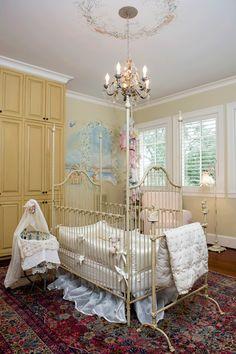 Omg absolutely love this baby girl nursery idea