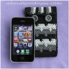 iphone cover - free crochet pattern!  This is a complete tutorial of the special stitch and of the pouch itself! Choose your colors and make a masculine or a feminine version!