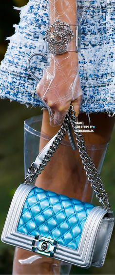 Chanel SS18 RTW Details Coco Chanel, Chanel Boy Bag, Chanel Dress, Chanel Fashion, All Fashion, Fashion Brand, Chanel Handbags, Fashion Handbags, Karl Lagerfeld