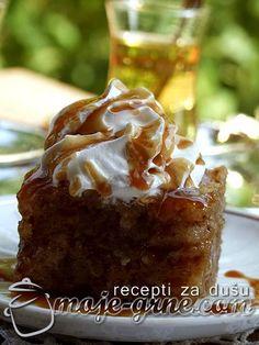 Preliveni kolač sa grizom Wine Recipes, Baking Recipes, Dessert Recipes, Desserts, Bosnian Recipes, Croatian Recipes, My Favorite Food, Favorite Recipes, Syrup Cake