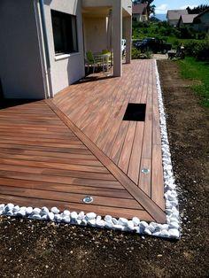 comment poser une terrasse en bois composite lames castorama blooma sur lambourdes et plots. Black Bedroom Furniture Sets. Home Design Ideas