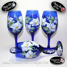 Hand Painted Wine Glasses Daisies on Cobalt Blue Tinted Hand Painted Wine Glasses, Painted Wine Bottles, Glass Bottles, Wine Glass Crafts, Wine Bottle Crafts, Wine Case, Bottle Painting, Glass Design, Crafts To Make