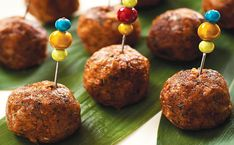 Walnut Meat-less Balls (for gluten free omit wheat germ and substitute flax seed- use GF Tamari) Vegetarian Meatballs, Vegetarian Entrees, Vegetarian Cooking, Corn Dog Muffins, Cookbook Recipes, Raw Food Recipes, Cooking Recipes, Healthy Recipes, Healthy Foods