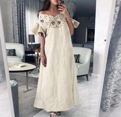 2 days left for Shop our 2018 kaftan collection in Abu Dhabi March Arab Fashion, 60 Fashion, Modest Fashion, African Fashion, Fashion Dresses, Mode Abaya, Mode Hijab, Arabic Dress, Eid Outfits