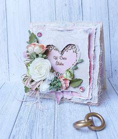Miłość ma wiele warstw. Tym razem mam dla Was bardzo przestrzenną kartkę ślubną w różowo-beżowej szacie. Użyłam: Sympathy Cards, Greeting Cards, Heart Cards, Card Making Inspiration, Pretty Cards, Anniversary Cards, Mini Albums, Wedding Cards, Projects To Try