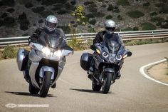 Duel BMW R 1200 RT 2014 / TRIUMPH TROPHY SE Bmw R1200rt, Triumph Trophy 1200, Touring Motorcycles, Steve Mcqueen, Boxers, Taxi, Motorbikes, Police, Big