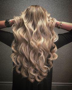 Beachwaves longhairstyle #beachwaves #beachwavehair #longhairstyles #hairextentions @greatlenghts @haarvisie @asumanjamal Beach Wave Hair, Beach Waves, Hair Makeup, Long Hair Styles, Beauty, Braided Hairstyles, Braid, Long Hairstyle, Party Hairstyles