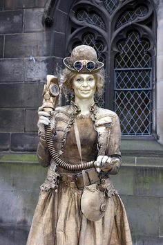 http://WhoLovesYou.ME | Steampunk Lady Human Statue #streetperformer #busker