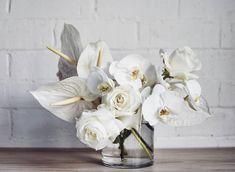 Flower Centerpieces, Wedding Centerpieces, Wedding Bouquets, Modern Floral Arrangements, Rose Arrangements, Deco Floral, Arte Floral, Modern Wedding Flowers, Floral Wedding