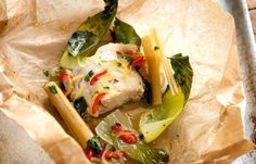 Thai style Haddock en Papillote - Enjoy fantastic and unforgettable taste of simple combination of lemon grass ginger chillies kaffir lime green peppercorns coriander and sesame oil. Asian Recipes, Healthy Recipes, Ethnic Recipes, Scd Recipes, Chilli Recipes, Protein Recipes, Healthy Treats, Yummy Recipes, Healthy Food