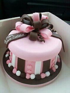 Second Birthday Cakes Second Birthday Cakes, Birthday Cakes For Women, Cake Birthday, Girly Cakes, Fancy Cakes, Fondant Cakes, Cupcake Cakes, Bolo Fack, Gift Box Cakes