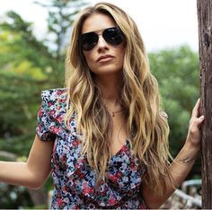 771bce36b10 The Jessie James Decker edition Dash by DIFF Eyewear featuring solid grey  polarized lenses