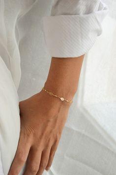 Gold bracelet, elegant 24k gold plated chain, oval charms bracelet. Chic minimalist delicate jewelry, bridal wedding bracelet, clasp closure...