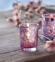 If pink is your colour of choice then you'll love our pretty, pink accessories! #heartandhome #prettyinpink #wednesdaywishlist #scentedcandles
