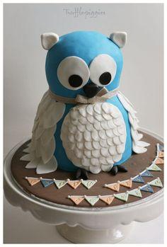 Blue owl cake by PiggyTrish