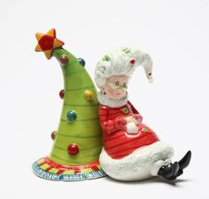 3.63 Inch Mrs. Claus And Xmas Tree Salt And Pepper U$26