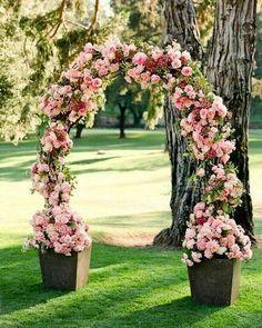 More Decoration : http://www.kadinika.com Decoração em tons de rosa   #casamento #inspiracao #inspire #rosa #pink #decor #flor #flores #florista #casar #casarnocampo #casamentoaoarlivre #wedding #decoration #flower #cerimonia