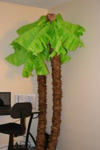 Palm trees from pool noodles, paper bags and tissue paper. Perfect for island or luau theme Deco Pirate, Pirate Theme, Pirate Party, Paper Palm Tree, Palm Trees, Palm Tree Crafts, Palm Tree Leaves, Moana Party, Pool Noodle Crafts