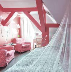 Pokój w Hostelu CastleInn. Zdjęcie - Czynne Marek Wołynko http://czynnefilmy.pl