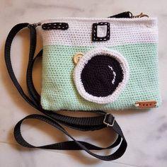 Crochet Vintage Camera Purse / Small Bag