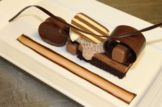 Study of Chocolate: chocolate moelleux, white chocolate sorbet, gianduja chocolate bar, manjari chocolate mousse, chocolate sponge cake and milk chocolate froth | Flickr: Intercambio de fotos