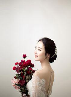 wedding photography by Bondiastduio 청담동에 위치한 본디아스튜디오입니다, 2017년 New Sample 신랑,신부님 두분의 스쳐 지나온 날들 속에 감정과 추억들을 사진한에 녹아든 모습을 담아드리려고 합니다, #wedding #weddingphoto #weddingphotogarphy #photo #romantic #weddingideas #weddinginspiration