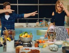 Jamie Oliver ,Taylor Swift Stand Up To Cancer | Table Art - Art de la Table