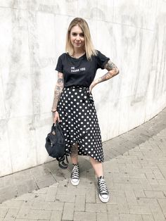 cute spring outfits for women 18 ~ Modern House Design Little Black Dress Outfit, Black Dress Outfits, Modest Outfits, Casual Outfits, Modern Hijab Fashion, Modest Fashion, Fashion Outfits, Fashion Vest, Grunge Fashion