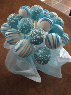Blue and white cake pops- But in Bavarian flag colors :)