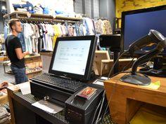 Brandul vestimentar FRANKIE GARAGE si-a facut intrarea in Mega Mall Bucuresti! Originar din Roma, Italia, lantul de #retail propune un stil tineresc, inconfundabil prin designul inovator si prin calitatea materialelor folosite. Si, pentru a-si deservi cat mai bine clientii, a ales #software pentru gestiune si vanzare SmartCash RMS, precum si echipamente performante de la Magister. http://www.magister.ro/portfolio/frankie-garage-mega-mall-bucuresti/ #retail