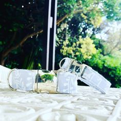 DETAILS:Our Silver Sky Dog Collar is perfect for any occasion. Add our Silver Sky Bow Tie if you want your pet to look extra pawsome on special days like wedding or birthday.COLLAR SIZING:X-Small: fits necks wide)Small: fits necks